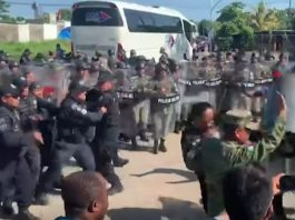 Mexico: Police Clash With African Migrants Demanding Passage To US